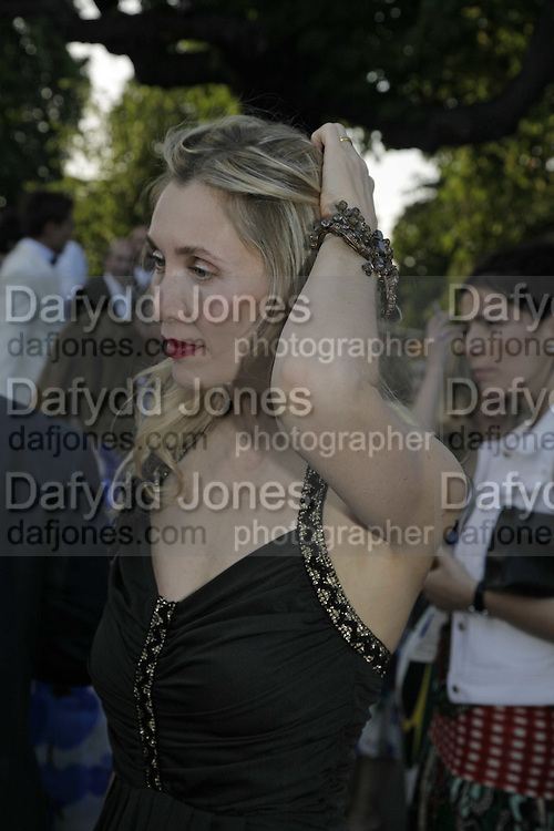 Allegra Hicks, The Summer Party sponsored by Yves St. Laurent. Serpentine Gallery. 11 July 2006. . ONE TIME USE ONLY - DO NOT ARCHIVE  © Copyright Photograph by Dafydd Jones 66 Stockwell Park Rd. London SW9 0DA Tel 020 7733 0108 www.dafjones.com