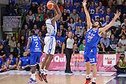 DESCRIZIONE : Beko Legabasket Serie A 2015- 2016 Dinamo Banco di Sardegna Sassari - Enel Brindisi<br /> GIOCATORE : Brenton Petway<br /> CATEGORIA : Tiro Tre Punti Three Point Controcampo<br /> SQUADRA : Dinamo Banco di Sardegna Sassari<br /> EVENTO : Beko Legabasket Serie A 2015-2016<br /> GARA : Dinamo Banco di Sardegna Sassari - Enel Brindisi<br /> DATA : 18/10/2015<br /> SPORT : Pallacanestro <br /> AUTORE : Agenzia Ciamillo-Castoria/L.Canu