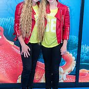 NLD/Amsterdam20160622 - Filmpremiere première van Disney Pixar's Finding Dory, Sarah & Julia