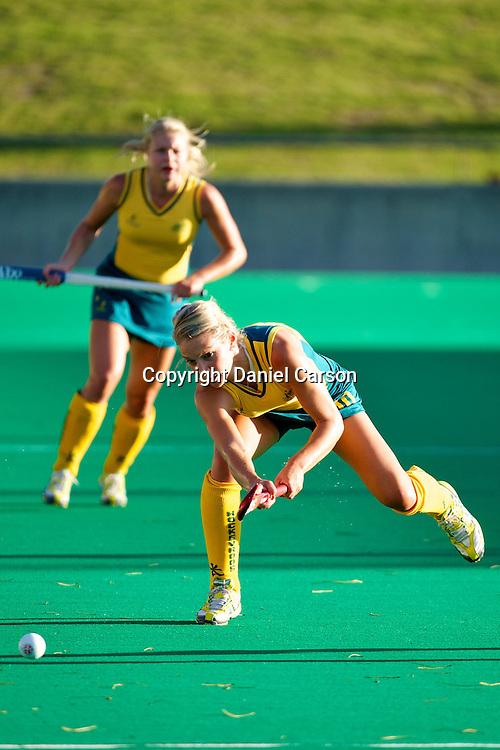Kate Hollywood sets up an attacking move. Hockeyroos v New Zealand International Hockey match. Curtin Hockey Stadium, Perth. Wednesday 17 February 2010. Photo: Daniel Carson/PHOTOSPORT