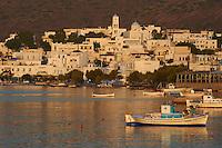 Grece, Cyclades, ile de Milos, Adamas, le port principal de Milos // Greece, Cyclades islands, Milos, Adams city and port