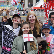 London: Thousands gather for Feast of St George