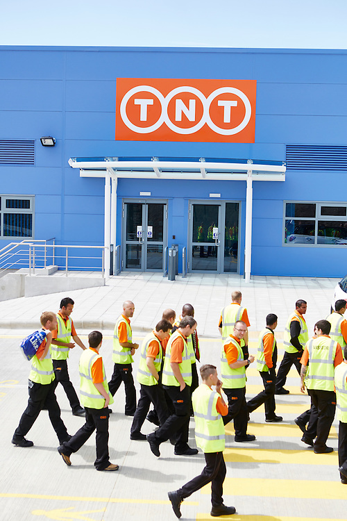 TNT Swindon Depot Magazine Photo Shoot