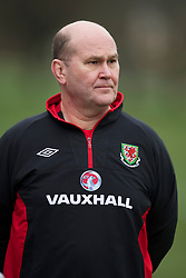 CARDIFF, WALES - Monday, March 21, 2011: Wales' Medical Officer Doctor Mark Ridgewell during a training session at the Vale of Glamorgan ahead of the UEFA Euro 2012 qualifying Group G match against England. (Photo by David Rawcliffe/Propaganda)