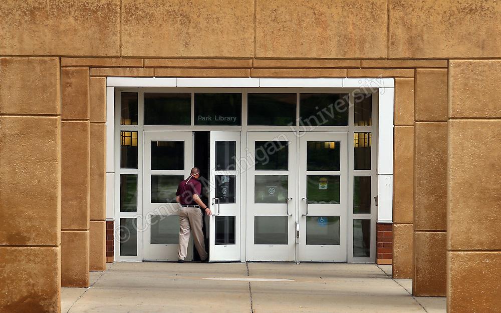Park Library south entrance.  Central Michigan University Photo by Steve Jessmore