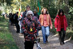 Die Anti-Atomkraft-Bewegung protestiert im Vorfeld des Castortransports nach Gorleben im November 2010 an über hundert Orten gegen die Atompolitik der schwarz-gelben Bundesregierung. <br /> <br /> Ort: Leitstade<br /> Copyright: XXX<br /> Quelle: PubliXviewinG