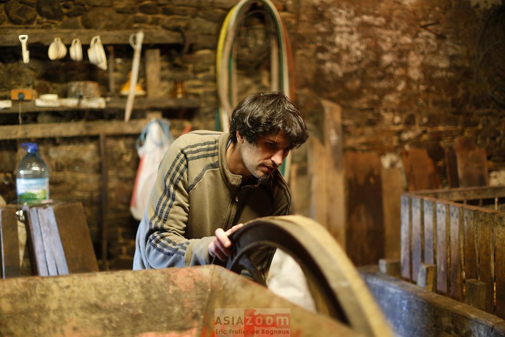 Fabrication de cidre a l'ancienne.