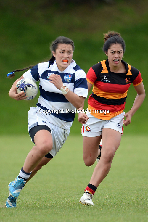 Auckland Storm's Theresa Fitzpatrick in action during the Women's Rugby NPC Semi Final, Auckland Storm v Waikato. Auckland, New Zealand on Saturday 10 October 2015. Copyright Photo: Raghavan Venugopal / www.photosport.nz