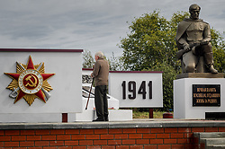 April 15, 2018 - The Village Chernavka. Inzhavins, Tambov region, Russia - Russian veteran of the Second World war at the memorial to fallen Russian soldiers  (Credit Image: © Aleksei Sukhorukov via ZUMA Wire)