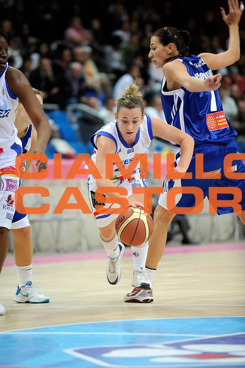 DESCRIZIONE : Ligue Feminine de Basket Open Feminin 1 Journee &agrave; Paris<br /> GIOCATORE : COUSSEINS SMITH Joyce<br /> SQUADRA : Nantes <br /> EVENTO : Ligue Feminine 2010-2011<br /> GARA : Montpellier Nantes<br /> DATA : 17/10/2010<br /> CATEGORIA : Basketbal France Ligue Feminine<br /> SPORT : Basketball<br /> AUTORE : JF Molliere par Agenzia Ciamillo-Castoria <br /> Galleria : France Basket 2010-2011 Action<br /> Fotonotizia : Ligue Feminine de Basket Open Feminin1 Journee &agrave; Paris<br /> Predefinita :