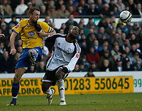 Photo: Steve Bond/Richard Lane Photography. Derby County v Crystal Palace. Coca Cola Championship. 06/12/2008. Clint Hill (L) and Nathan Ellington (R) go for the ball