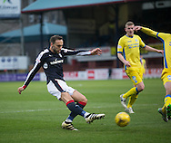 Dundee&rsquo;s Tom Hateley fires in the cross which led to St Johnstone&rsquo;s Steven Anderson scoring and own goal - Dundee v St Johnstone in the Ladbrokes Scottish Premiership at Dens Park, Dundee - Photo: David Young, <br /> <br />  - &copy; David Young - www.davidyoungphoto.co.uk - email: davidyoungphoto@gmail.com