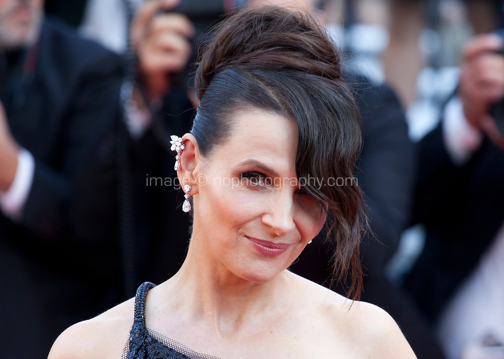 Juliette Binoche arriving to the Closing Ceremony and awards at the 70th Cannes Film Festival Sunday 28th May 2017, Cannes, France. Photo credit: Doreen Kennedy