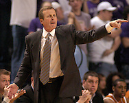 Texas head coach Rick Barnes yells out some instructions to his Longhorns, during the secnd half against Kansas State at Bramlage Coliseum in Manhattan, Kansas, February 22, 2006.  The 7th ranked Longhorns held on for a 65-64 win over K-State.