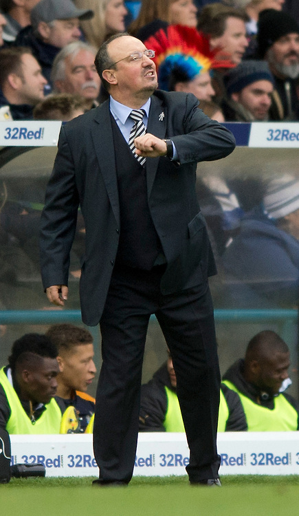 Newcastle United manager Rafa Benitez expresses his frustration during the Sky Bet Championship match at Elland Road, Leeds<br /> Picture by Russell Hart/Focus Images Ltd 07791 688 420<br /> 20/11/2016