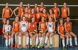07-06-2016 NED: Jeugd Oranje meisjes <2000, Arnhem<br /> Photoshoot met de meisjes uit jeugd Oranje die na 1 januari 2000 geboren zijn / Teamfoto selectie 2016