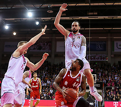28.03.2016, Telekom Dome, Bonn, GER, Beko Basketball BL, Telekom Baskets Bonn vs FC Bayern Muenchen, 23. Runde, im Bild vl,Bryce Tylor (Muenchen, #44), Dirk Maedrich (Bonn, #5) // during the Beko Basketball Bundes league 23th round match between Telekom Baskets Bonn and FC Bayern Munich at the Telekom Dome in Bonn, Germany on 2016/03/28. EXPA Pictures © 2016, PhotoCredit: EXPA/ Eibner-Pressefoto/ Horn<br /> <br /> *****ATTENTION - OUT of GER*****