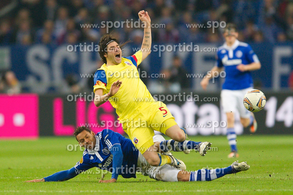 01.12.2011, Veltins Arena, Gelsenkirchen, GER, UEFA Europa League, FC Schalke 04 (GER) vs Steaua Bukarest (ROM), im Bild Zweikampf Jermaine Jones (#13 Schalke) - Pablo Brandan (#5 Bukarest) // during FC Schalke 04 (GER) vs Steaua Bukarest (ROM) at Veltins Arena, Gelsenkirchen, GER, 2011-12-01. EXPA Pictures © 2011, PhotoCredit: EXPA/ nph/ Kurth..***** ATTENTION - OUT OF GER, CRO *****