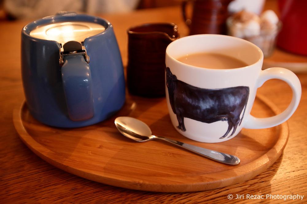 UK ENGLAND HURSTBOURNE TARRANT 9SEP16 - Afternoon tea at the George and Dragon pub in Hurstbourne Tarrant, westcountry, England.<br /> <br /> jre/Photo by Jiri Rezac<br /> <br /> © Jiri Rezac 2016