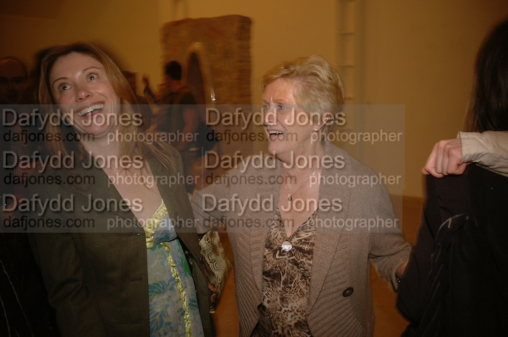 LOUISE WILSON AND HER MOTHER JANET WILSON, Jane and Louise Wilson,-'The New Brutalists' Lisson Gallery. Bell st.  opening AFTER-PARTY. 16 May 2006 ONE TIME USE ONLY - DO NOT ARCHIVE  © Copyright Photograph by Dafydd Jones 66 Stockwell Park Rd. London SW9 0DA Tel 020 7733 0108 www.dafjones.com