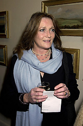 LEONORA, COUNTESS OF LICHFIELD at an exhibition in London on 31st October 2000.OIN 3