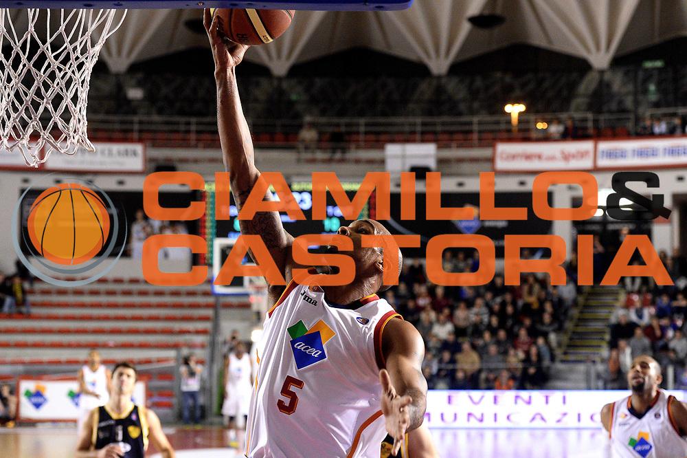 DESCRIZIONE : Roma Lega serie A 2013/14 Acea Virtus Roma Sutor Montegranaro<br /> GIOCATORE : Phil Goss<br /> CATEGORIA : tiro sottomano<br /> SQUADRA : Acea Virtus Roma<br /> EVENTO : Campionato Lega Serie A 2013-2014<br /> GARA : Acea Virtus Roma Sutor Montegranaro<br /> DATA : 18/01/2014<br /> SPORT : Pallacanestro<br /> AUTORE : Agenzia Ciamillo-Castoria/M.Greco<br /> Fotonotizia : Roma Lega serie A 2013/14 Acea Virtus Roma Sutor Montegranaro<br /> Predefinita :