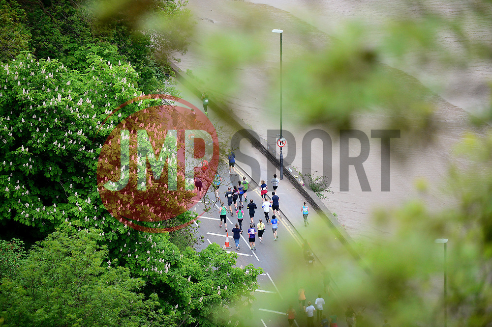 Runners take part in the Simply Health Great Bristol 10k run under the Clifton Suspension Bridge - Mandatory by-line: Dougie Allward/JMP - 07/05/2017 - MARATHON - Simplyhealth Great Bristol 10k