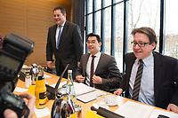21 JAN 2013, BERLIN/GERMANY:<br /> Patrick Doering, FDP Generalsekretaer, Philipp Roesler, FDP Bundesvorsitzender, und Stefan Birkner, FDP Landesvorsitzender Niedersachsen, (v.L.n.R.), vor Beginn der Sitzung des FDP Bundesvorstandes nach den Landtagswahlen in Niedersachsen, Thomas-Dehler-Haus<br /> IMAGE: 20130121-01-007<br /> KEYWORDS: Philipp R&ouml;sler, Patrik D&ouml;ring