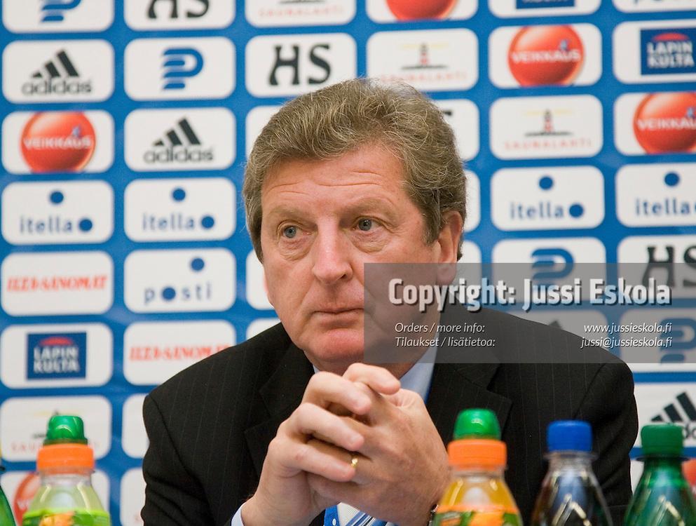 Roy Hodgson. Suomi - Serbia, EM-karsinta, Helsinki, Olympiastadion 2.6.2007. Photo: Jussi Eskola