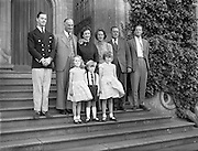 19/09/1960<br /> 09/19/1960<br /> 19 September 1960<br /> Earl and Countess of Rosse and family at Birr Castle, Co.Offaly. L-R: Brendan Parsons,Baron Oxmantown; Lawrence Michael Harvey Parsons, 6th Earl of Rosse; Anne Messel, Countess Rosse; Susan Vesey, Viscountess de Vesci; John Eustace Vesey, 6th Viscount de Vesci; The Hon. Martin Parsons and Catherine, Tom and Emma Vesey. Birr Castle, Co. Offaly.