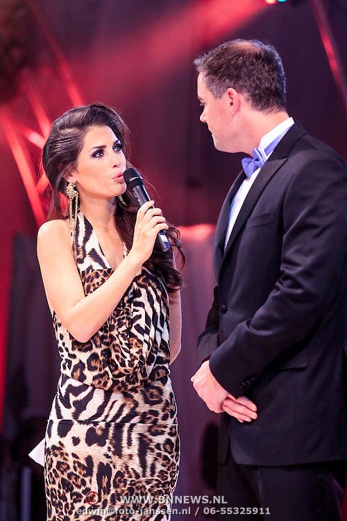 NLD/Bunnik/20121210 - Finale Miss Nederland 2013, Kim Kotter en Yolanthe Cabau van Kasbegen