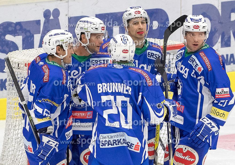 18.09.2016, Stadthalle, Villach, AUT, EBEL, EC VSV vs HC Orli Znojmo, 2. Runde, im Bild 5:0 durch Evan Mcgrath (EC VSV) (EC VSV), v.l. Eric Hunter (EC VSV), Roman Tomas (Znojmo), Patrik Nechvatal (Znojmo), Benjamin Petrik (EC VSV) // during the Erste Bank Icehockey League 2nd Round match between EC VSV vs HC Orli Znojmo at the Stadthalle in Villach, Austria on 2016/09/18. EXPA Pictures © 2016, PhotoCredit: EXPA/ Johann Groder