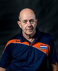 22-09-2017 NED: Portret zitvolleybalsters Oranje 2017-2018, Leersum<br /> Nederland bereidt zich voor op het komende EK zitvolleybal / Ass. coach Martin Rutten