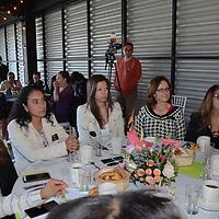 Toluca, México (Septiembre 20, 2016).- Integrantes de la Asociación Mexicana de Mujeres Jefas de Empresas en el Estado de México (AMMJE),  que encabeza Rocío Fuentes Ríos, durante el ciclo de conferencias impartidas por expertos en economía y administración, como Yuri Montañez, de la delegación de Economía, así como de María Benigna Hernández, licenciada en Administración de Empresas.  Agencia MVT / José Hernández