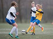 FODBOLD: Amber Hansen (Ølstykke FC) under kampen i Sjællandsserien mellem Ølstykke FC og Herlufsholm GF den 12. april 2018 på Ølstykke Stadion (kunstgræs). Foto: Claus Birch.