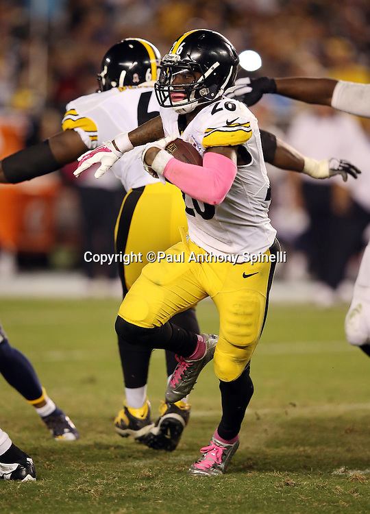 Pittsburgh Steelers running back Le'Veon Bell (26) runs the ball during the 2015 NFL week 5 regular season football game against the San Diego Chargers on Monday, Oct. 12, 2015 in San Diego. The Steelers won the game 24-20. (©Paul Anthony Spinelli)