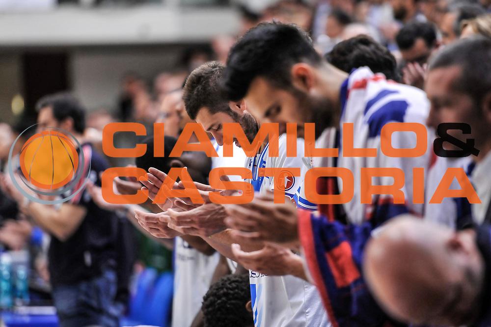 DESCRIZIONE : Campionato 2014/15 Dinamo Banco di Sardegna Sassari - Dolomiti Energia Aquila Trento Playoff Quarti di Finale Gara4<br /> GIOCATORE : Matteo Formenti Brian Sacchetti<br /> CATEGORIA : Fair Play Applausi Before Pregame<br /> SQUADRA : Dinamo Banco di Sardegna Sassari<br /> EVENTO : LegaBasket Serie A Beko 2014/2015 Playoff Quarti di Finale Gara4<br /> GARA : Dinamo Banco di Sardegna Sassari - Dolomiti Energia Aquila Trento Gara4<br /> DATA : 24/05/2015<br /> SPORT : Pallacanestro <br /> AUTORE : Agenzia Ciamillo-Castoria/L.Canu