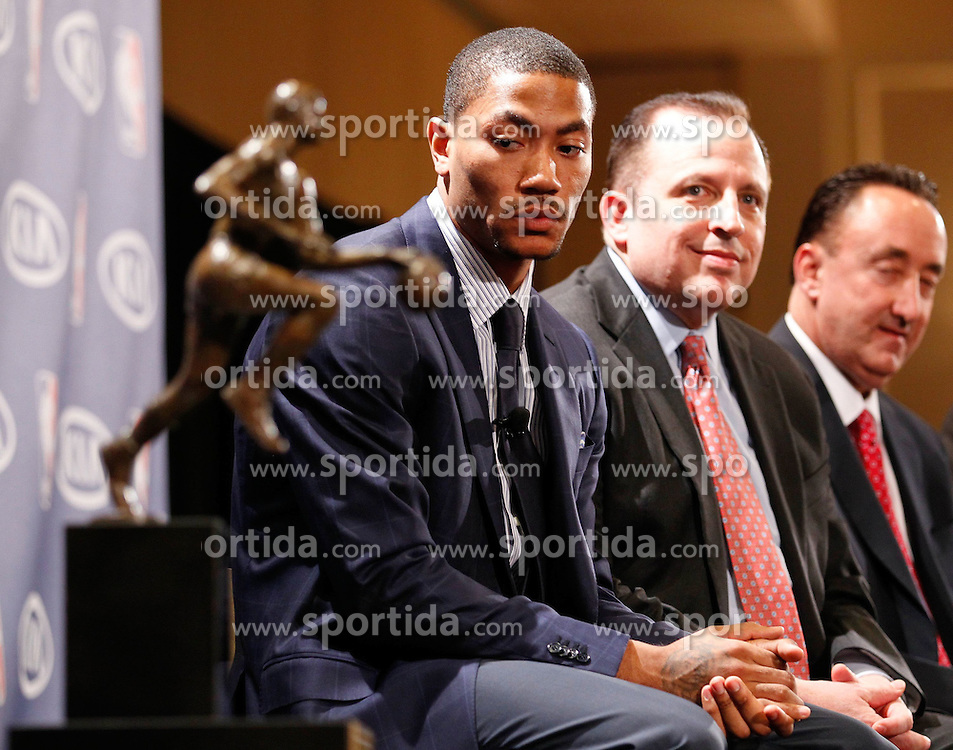 03.05.2011, LINCOLNSHIRE,  ILLINOIS., USA, NBA, DERRICK ROSE NAMED, MVP, im Bild Chicago Bulls Derrick Rose sits next to the Maurice Podoloff Trophy before being named NBA basketball's MVP at the Marriott Resort..N Z DERRICK ROSE CHICAGO BULLS., EXPA Pictures © 2011, PhotoCredit: EXPA/ Newspix/ KAMIL KRZACZYNSKI +++++ ATTENTION - FOR AUSTRIA/ AUT, SLOVENIA/ SLO, SERBIA/ SRB an CROATIA/ CRO, SWISS/ SUI and SWEDEN/ SWE CLIENT ONLY +++++