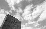 Italia, 2004, dal libro Ci resta il nome. Coriano, Rimini, british cemetery. arte, arts, cultura, culture, monument, monumento, sito storico, heritage site arte, arts, cultura, culture, monument, monumento, sito storico, heritage site