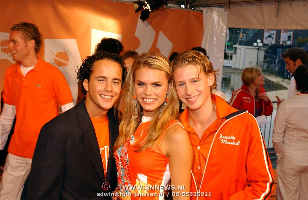 Uitreiking Kids Choice Awards 2004, Jon Karthaus, Nicolette van Dam, Ewout Genemans