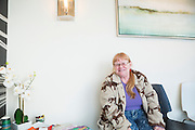 Sherry Russell, 61, i väntrummet på den gröna apoteket The Agrestic i Corvallis, Oregon, USA