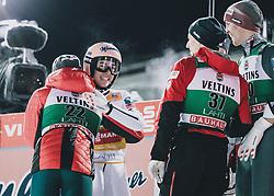 28.02.2020, Salpausselkae Hill, Lahti, FIN, FIS Weltcup Ski Sprung, Herren, im Bild Sieger Stefan Kraft (AUT) mit Team // Winner Stefan Kraft of Austria with Team during the men's FIS Ski Jumping World Cup at the Salpausselkae Hill in Lahti, Finland on 2020/02/28. EXPA Pictures © 2020, PhotoCredit: EXPA/ JFK