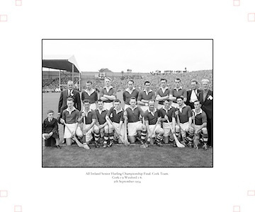 Neg No:.594/8096-8100,..5091954AISHCF,...05.09.1954, 09.05.1954, 5th September 1954,.All Ireland Senior Hurling Championship - Final,..Cork.1-9.Wexford 1-6,..Cork Team,. ..Back row (from left) Jack Barrett (selector), A Scannell (chairman), David Creedon, Gerry O'Riordan, John Lyons, Matty Fouhy, Gerard Murphy, P Collins (selector), Jim Barry (trainer), Back row (from left) Eamonn Goulding, Willie John Daly, A O' Shaughnessy, John Clifford, Joe Hartnett, Christie Ring (Captain), P Barry, Vincent Twomey, W Moore,