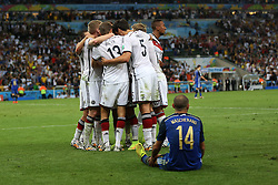 13.07.2014, Maracana, Rio de Janeiro, BRA, FIFA WM, Deutschland vs Argentinien, Finale, im Bild Freude bei Deutschland nach dem 1:0 durch Mario Goetze (GER). Vorne ein enttaeuschter Javier Mascherano (ARG) // during Final match between Germany and Argentina of the FIFA Worldcup Brazil 2014 at the Maracana in Rio de Janeiro, Brazil on 2014/07/13. EXPA Pictures © 2014, PhotoCredit: EXPA/ Eibner-Pressefoto/ CEZARO<br /> <br /> *****ATTENTION - OUT of GER*****