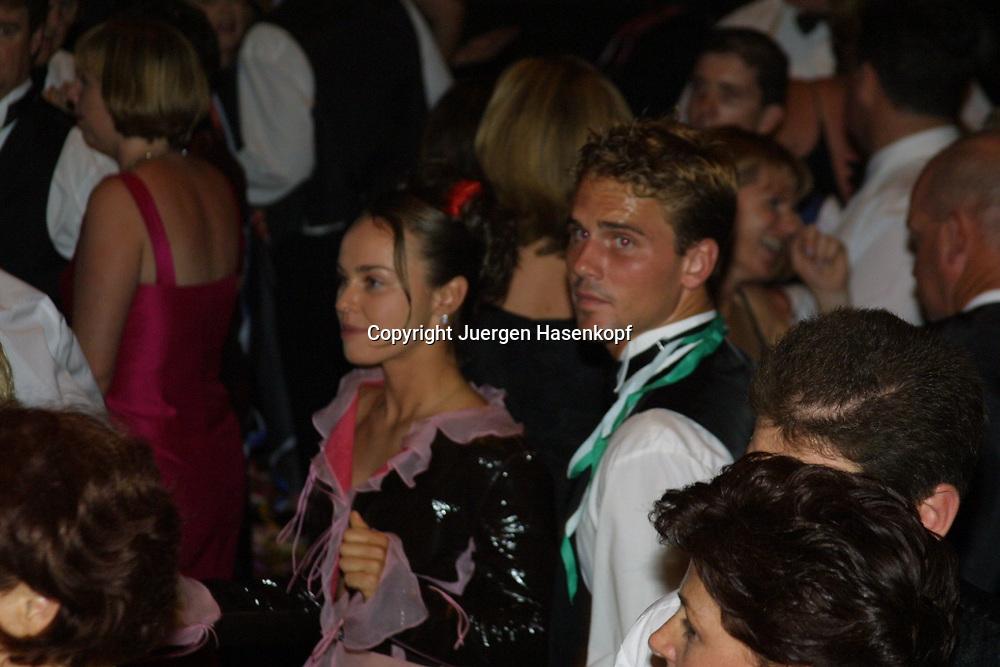 Sport,Tennis,Hopman Cup in Perth,Martina Hingis und Jan-Michael Gambill tanzen auf dem traditionellen Silvesterball,Abendgarderobe,privat,halbe Figur,<br /> Querformat,
