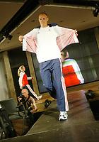 Idrett, 9. juni 2004, presentasjon av OL-kolleksjon foran OL i Athen 2004, Olaf Tufte, roing