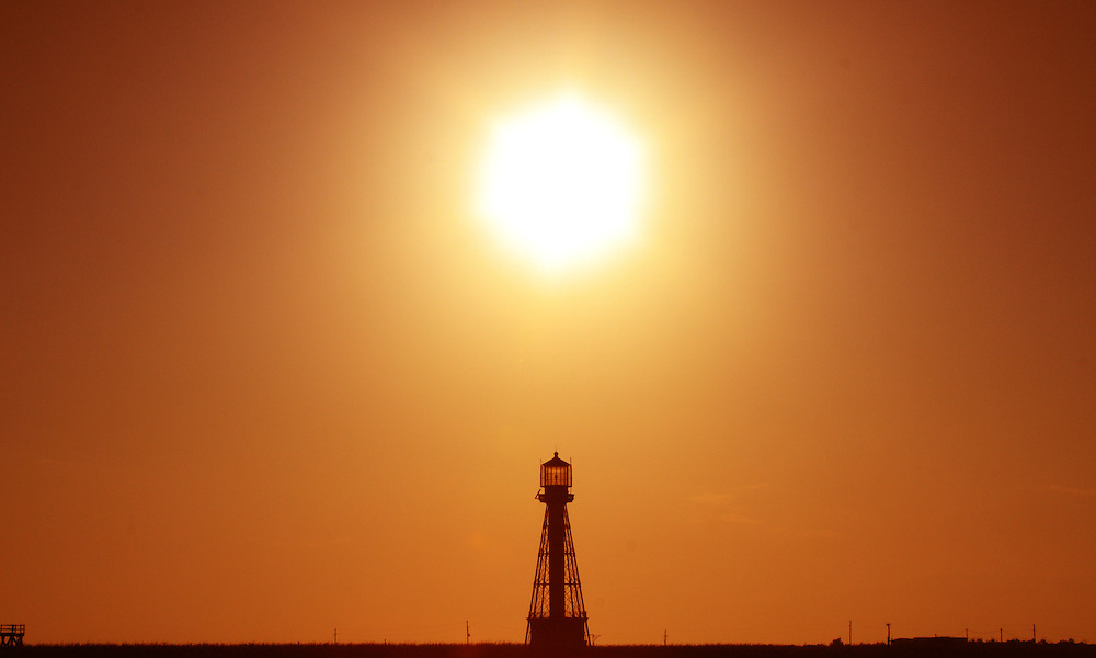 Port Eads Lighthouse at Sunset (4/08)