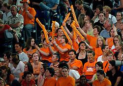 26-04-2007 TURNEN: EUROPEES KAMPIOENSCHAP: AMSTERDAM<br /> Turn publiek , oranje supporters<br /> ©2007-www.fotohoogendoorn.nl