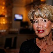 NLD/Loosdrecht/20121126 - CD uitreiking Anneke Gronloh, Anneke