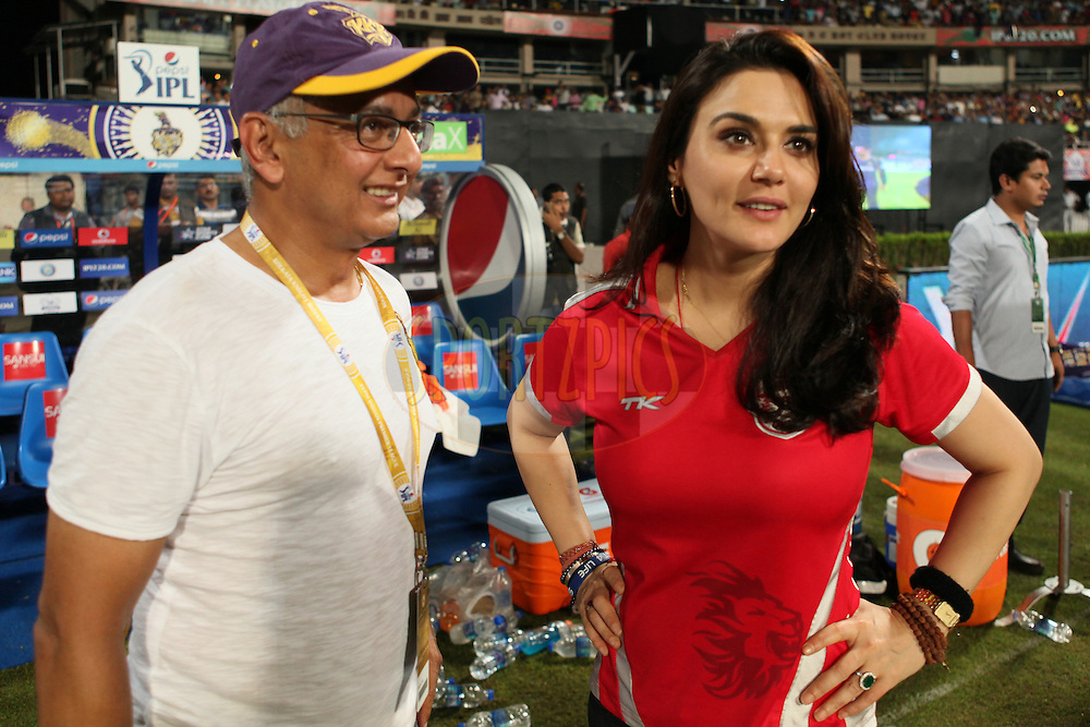 KXIP co-owner Prety Zinta(R) during the first qualifier match (QF1) of the Pepsi Indian Premier League Season 2014 between the Kings XI Punjab and the Kolkata Knight Riders held at the Eden Gardens Cricket Stadium, Kolkata, India on the 28th May  2014<br /> <br /> Photo by Saikat Das / IPL / SPORTZPICS<br /> <br /> <br /> <br /> Image use subject to terms and conditions which can be found here:  http://sportzpics.photoshelter.com/gallery/Pepsi-IPL-Image-terms-and-conditions/G00004VW1IVJ.gB0/C0000TScjhBM6ikg